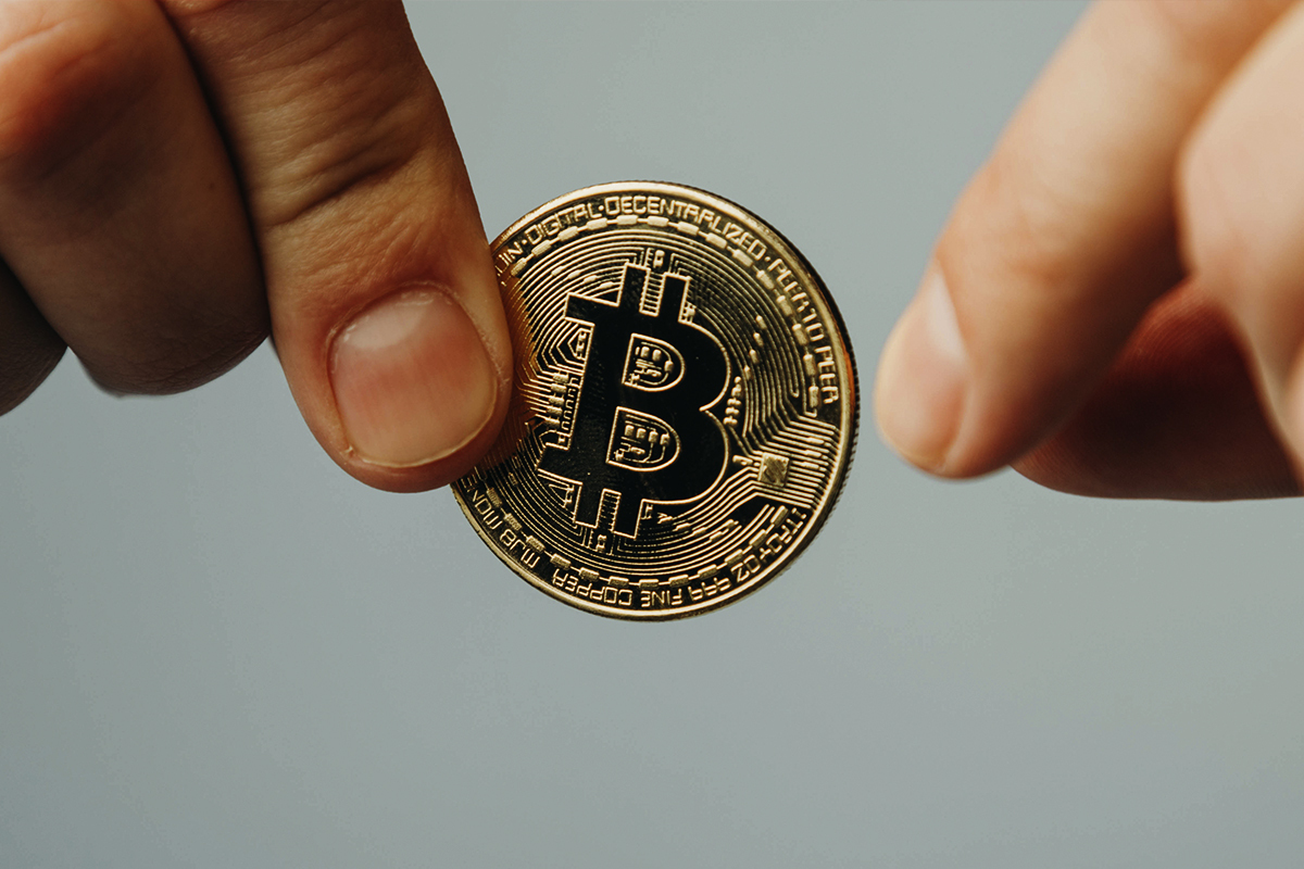 Bitcoin Long-Term Holders Stock up on Bitcoin as This Index Goes Green