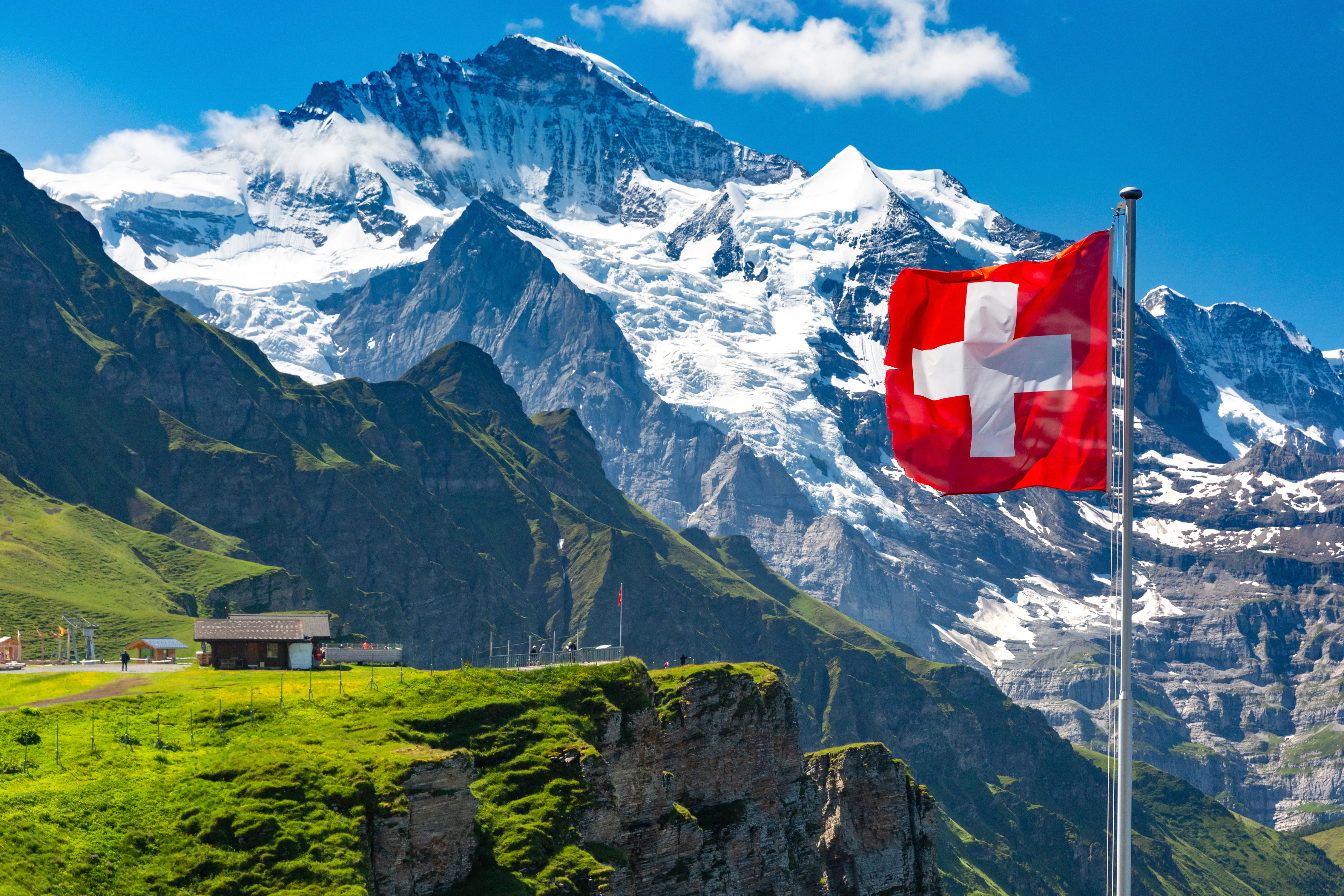 5-Star Hotel in Swiss Alps Starts Accepting Bitcoin and Ethereum