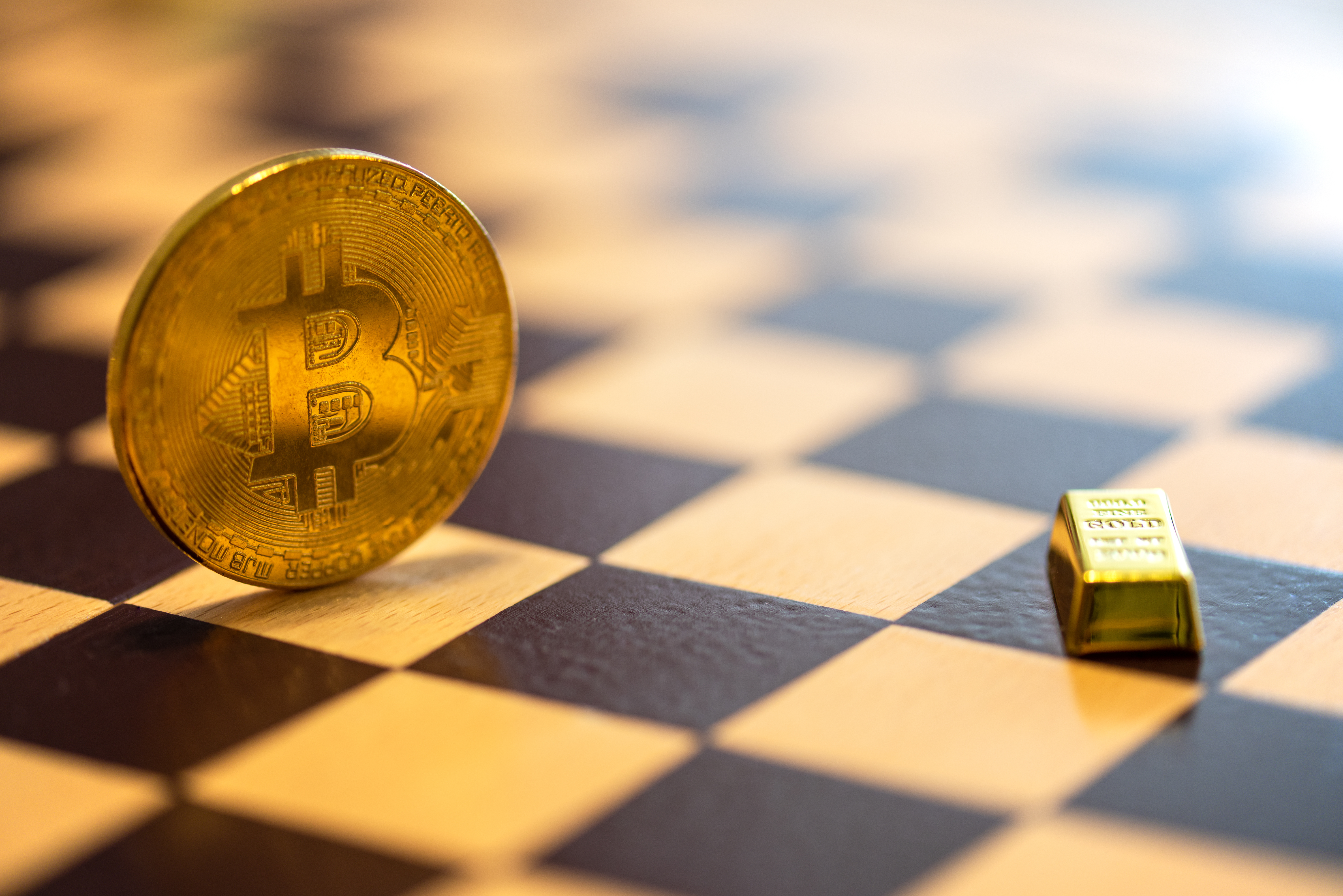 """""""Did Someone 51 Percent Attack Gold?"""": Bitcoin Community Gloats Over Lustrous Metal's Crash"""