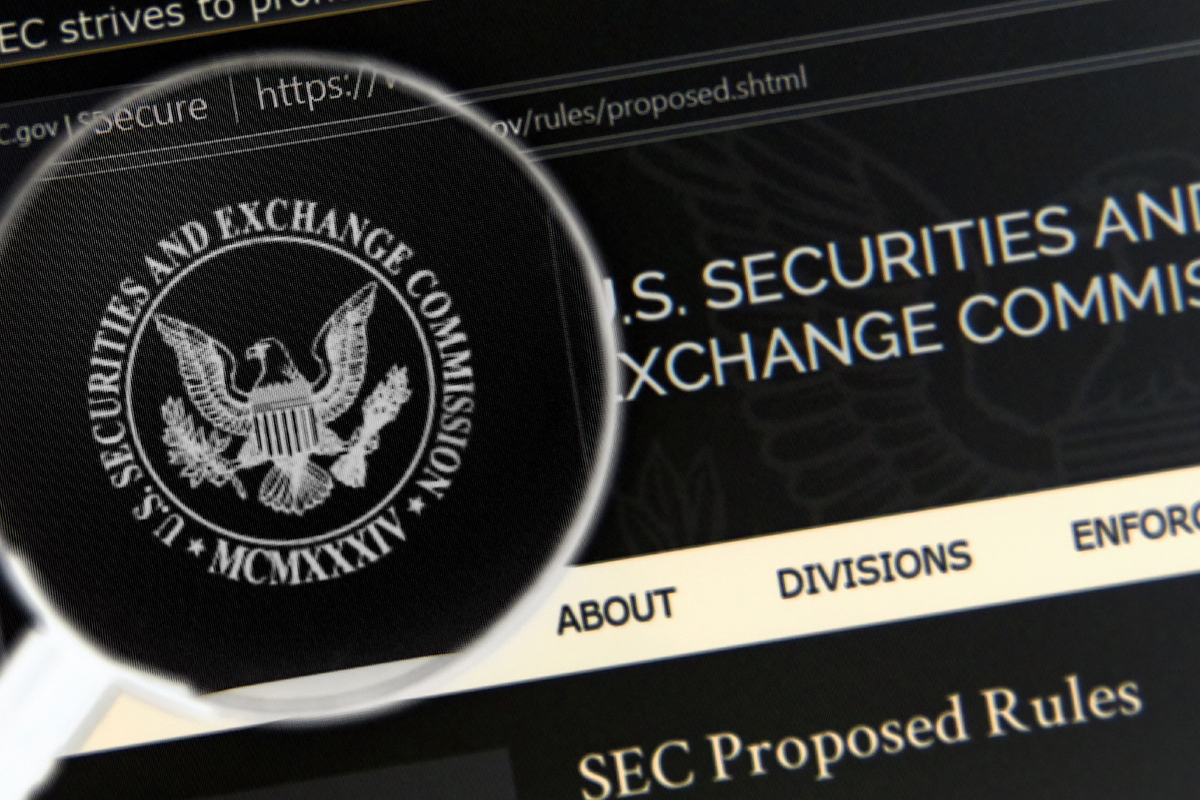 Grayscale CEO Says SEC Should Approve Bitcoin Futures ETF and Spot ETF Together, Here's Why