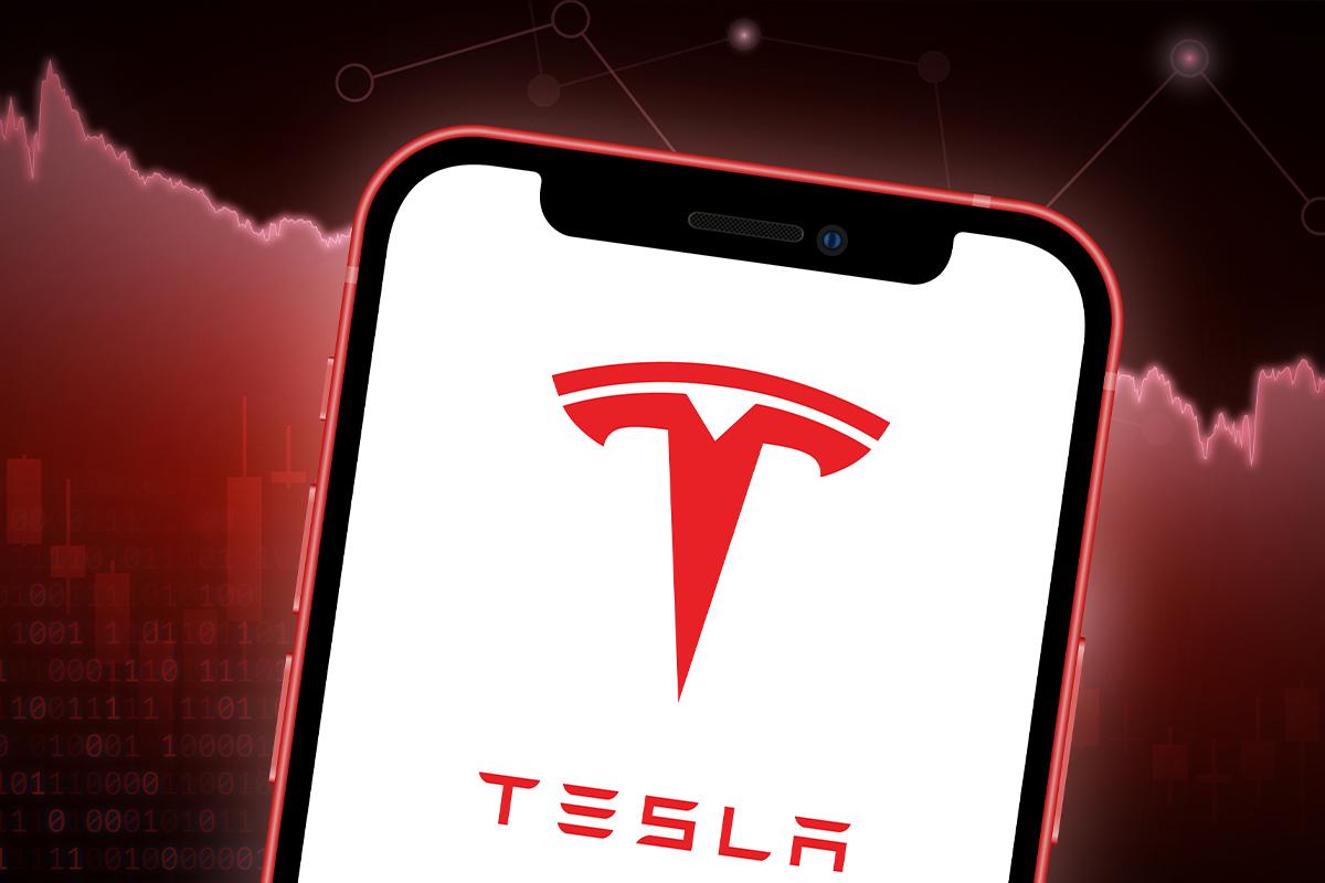 Cathie Wood's ARK Dumps $66 Million of Tesla Shares for More Stocks of Robinhood Crypto Platform