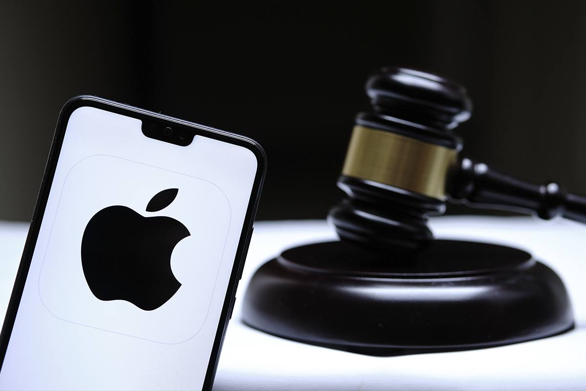 XRP Holders File Class-Action Lawsuit Against Apple
