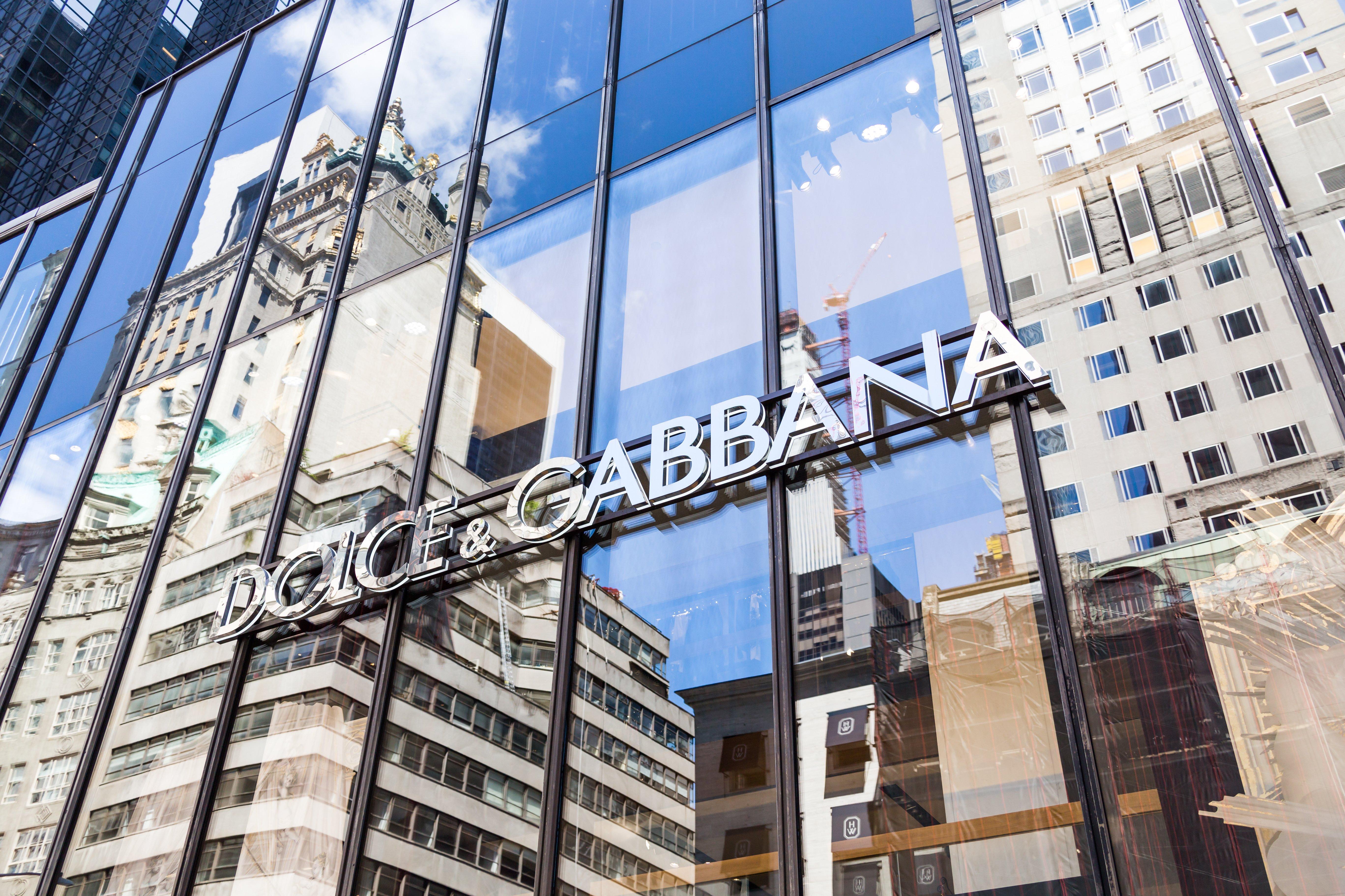 "Dolce & Gabbana Wants to Crown Dogecoin Fan Elon Musk as ""King of Crypto"""