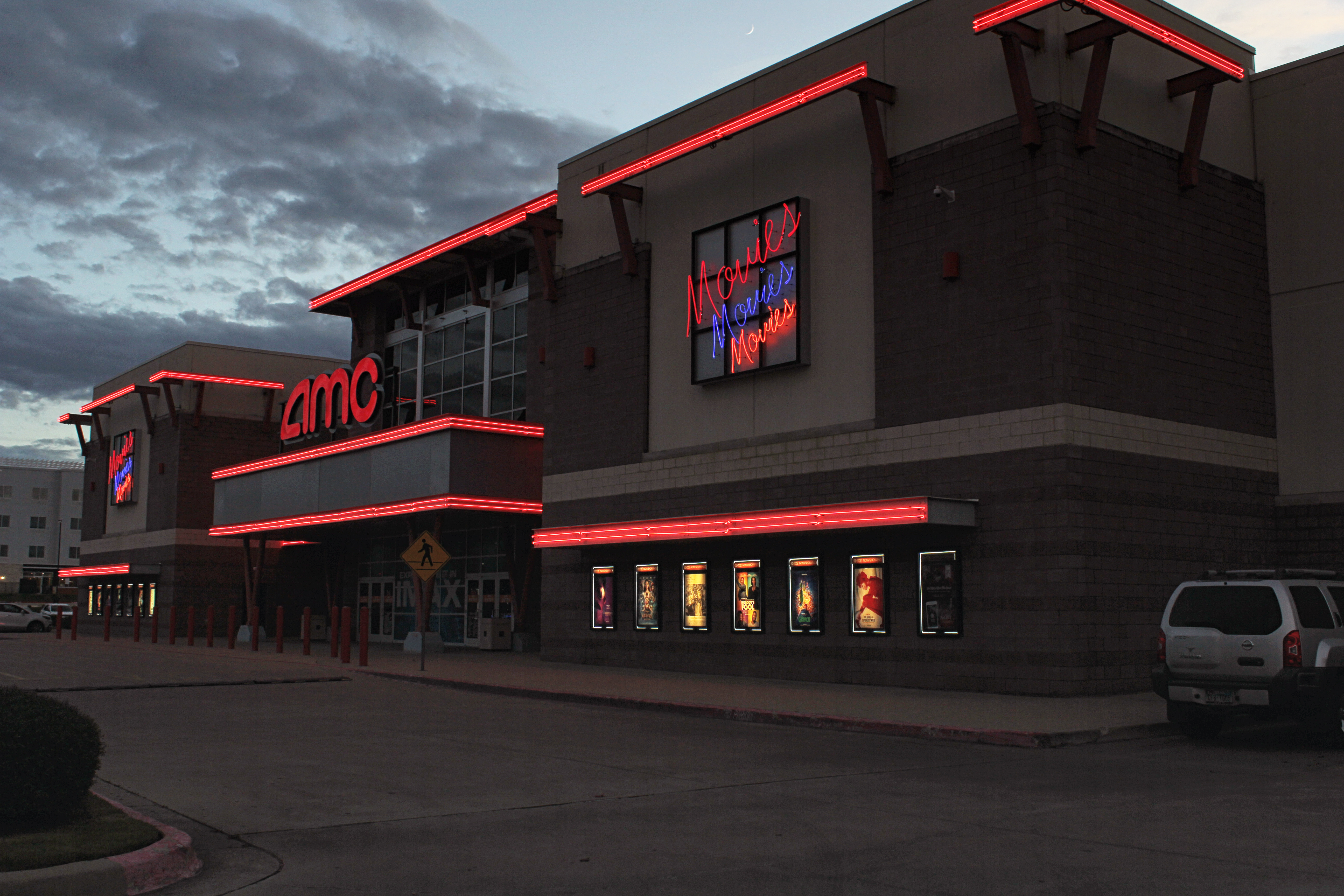 Movie Theater Giant AMC Is Open to Accepting Dogecoin