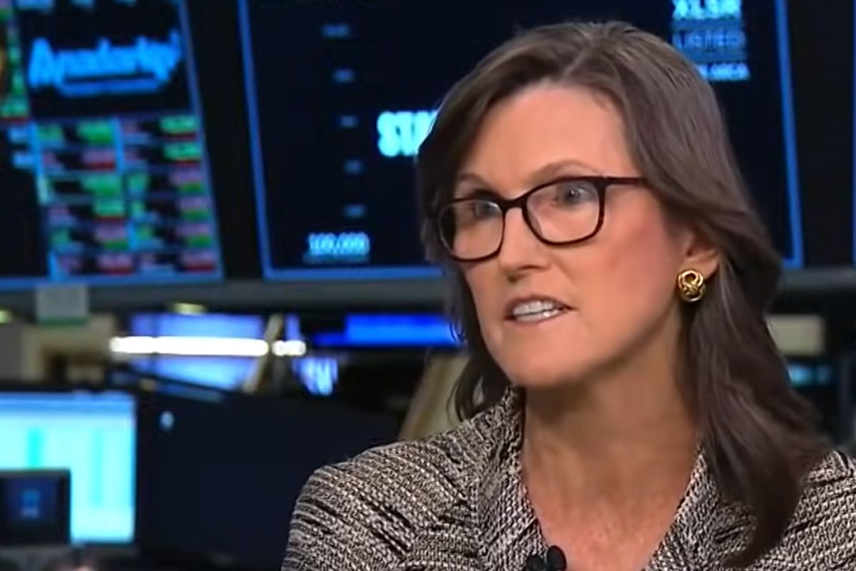 ARK's Cathie Wood Reiterates Her $500,000 Bitcoin Price, Comparing Top Crypto to Real Estate and Emerging Markets