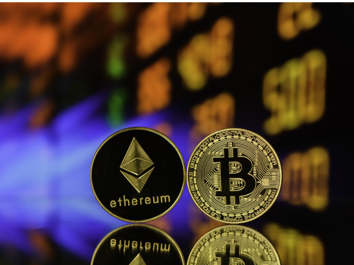 Bitcoin Revisits $35,000, Keeps Outperforming Ether