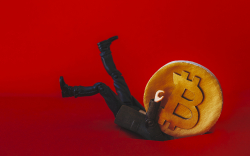 Bitcoin Price Loses Almost $1,000 Overnight, Pulling Crypto Market into Red