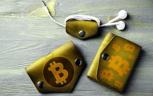 Bitcoin Whale Alert Reports: $214 Mln in BTC Moved Between Unknown Wallets