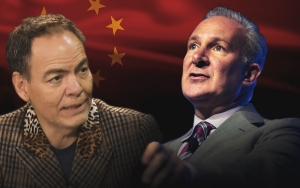 Bitcoin Will Suffer If 'China Coin' Gets Backed by Gold – Peter Schiff Responds to Max Keiser