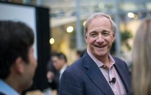 Ray Dalio Says Central Banks Won't Touch Bitcoin (BTC). VanEck's Exec Thinks He Could Be Wrong