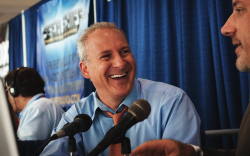 Peter Schiff Says Not Owning Any Bitcoin (BTC) Is One Thing He Has in Common with Warren Buffett