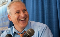 3 Reasons Why Gold Bug Peter Schiff Tweets About Bitcoin More Often Than Gold