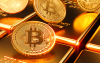 Coincidence? Bitcoin Struggles as Gold Has its Worst Week Since March Crash